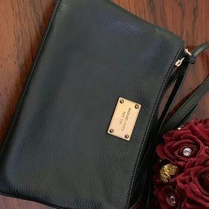 Michael kors 3 zipper bag crossbody